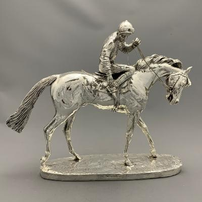 Silver RACEHORSE 'ON PARADE'