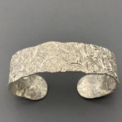MALCOLM APPLEBY Silver 'ROSE' BANGLE