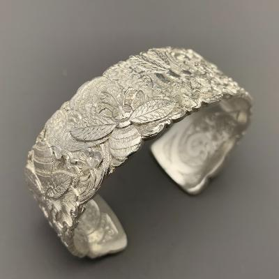 MALCOLM APPLEBY Silver BEE BANGLE