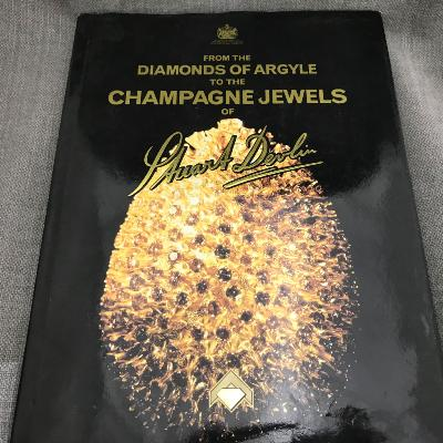 X From the Diamonds of Argyle to the Champagne Jewels of STUART DEVLIN
