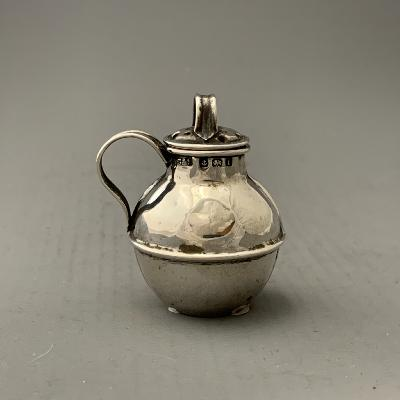 Silver GUERNSEY JUG PEPPER POT