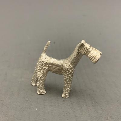 Silver AIRDALE TERRIER