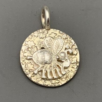 MALCOLM APPLEBY Silver BEE & BUDDIEA PENDANT