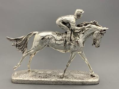 Silver RACEHORSE 'THE FAVOURITE'
