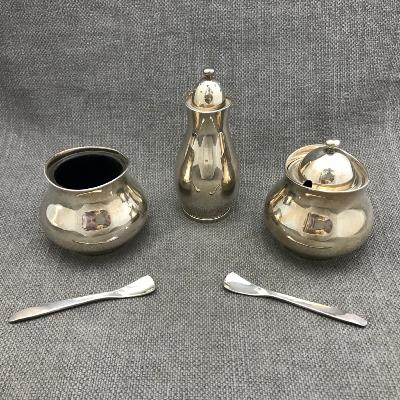 ERIC CLEMENTS Silver Plated Cruet