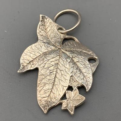 MALCOLM APPLEBY Silver LEAF PENDANT