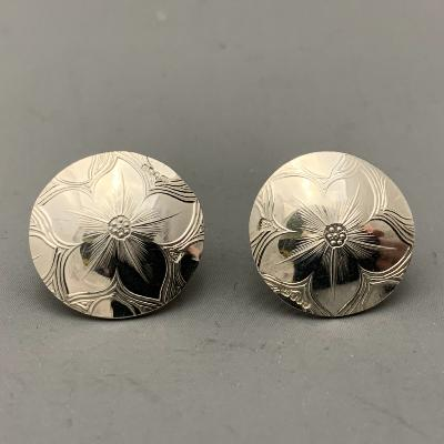 MALCOLM APPLEBY Silver FLOWER EARRINGS