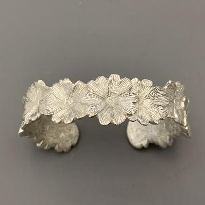 MALCOLM APPLEBY Silver PRIMROSE BANGLE