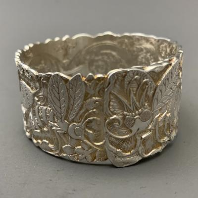MALCOLM APPLEBY Silver BEE NAPKIN RING