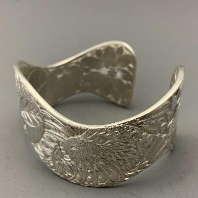 MALCOLM APPLEBY Silver OTTER & WATERLILIES BANGLE